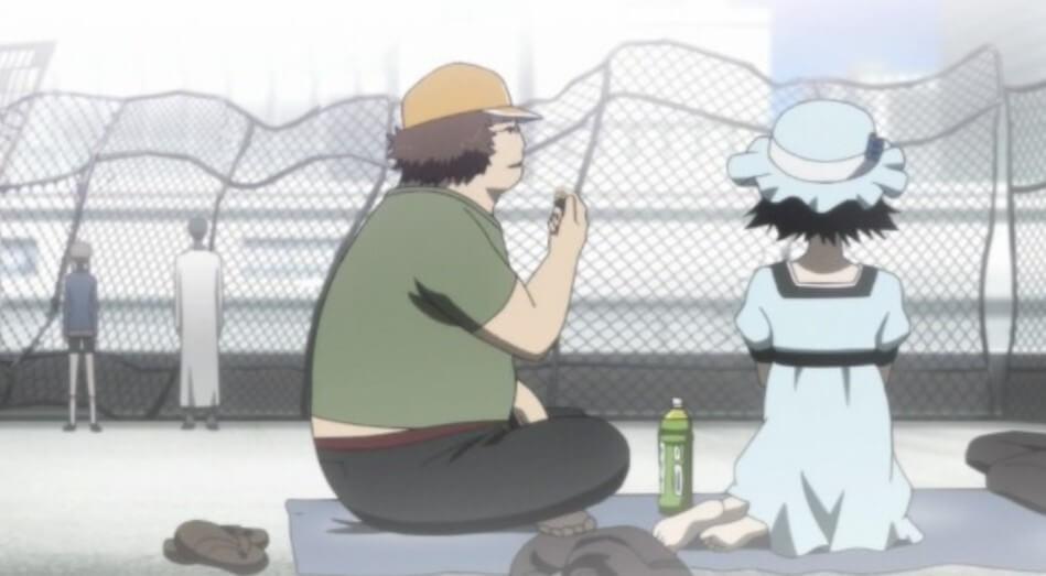 ダルとまゆりの側で話す鈴羽と岡部